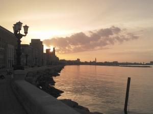 visit-bari-tramonto