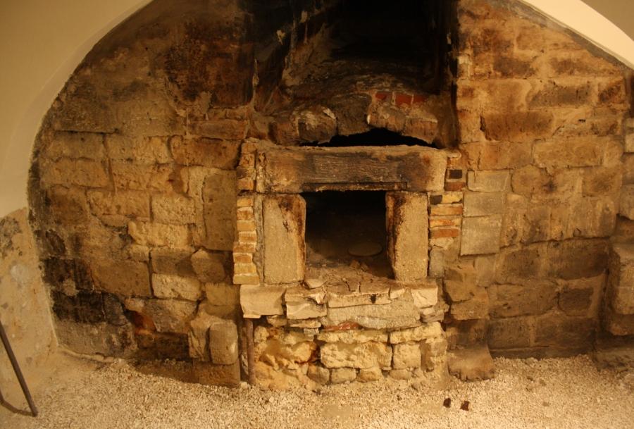 L'antico forno. Palazzo Simi Bari